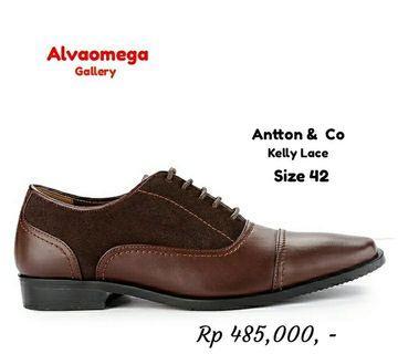 Antton & Co Lace Up pantofel