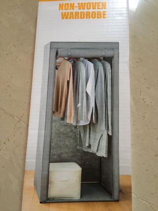 Non-woven Wardrobe