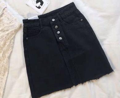 黑色a字 排扣 窄裙🖤
