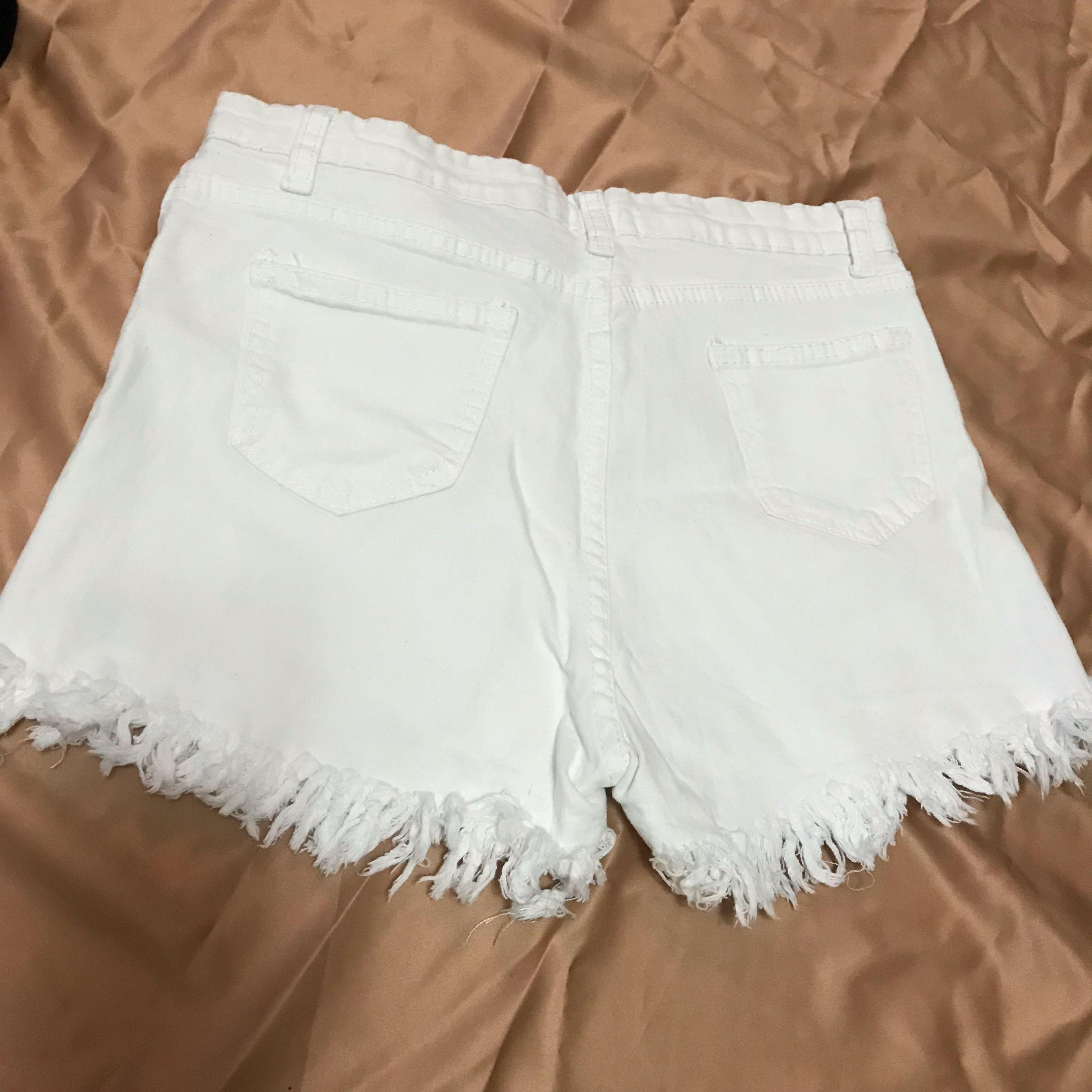 白色牛仔流蘇短褲