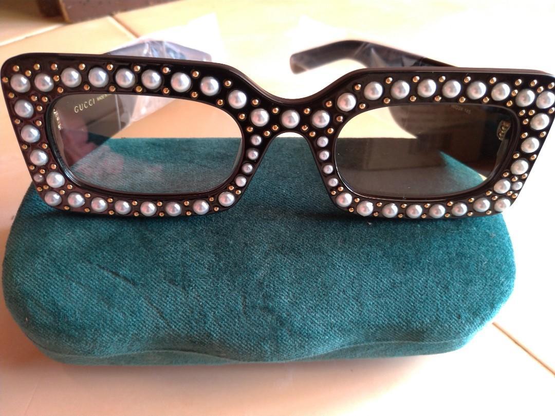 [Mark Down] Guess Sunglasses - Pearl Acetate