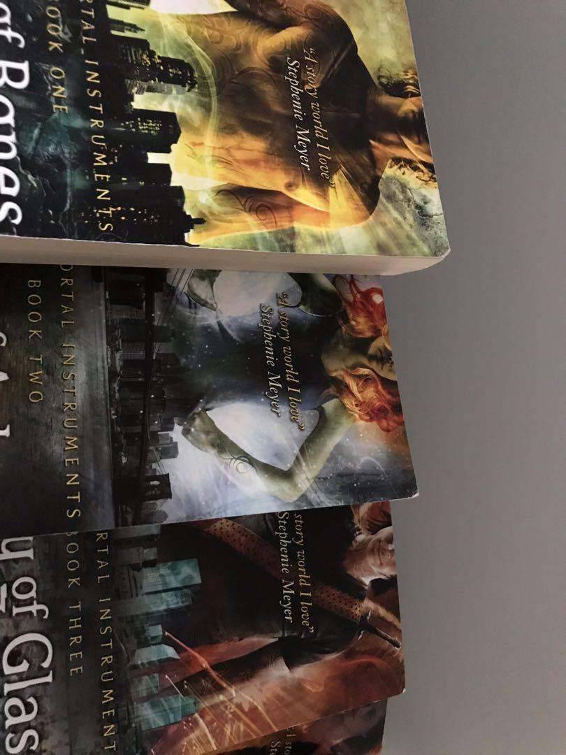 The mortal instruments trilogy and book 4. Cassandra Clare