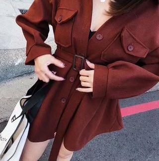 焦糖短版腰封大衣洋裝