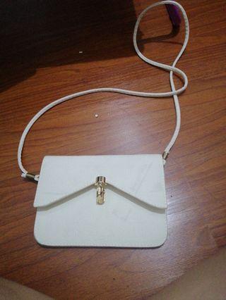 Sling bag wanita