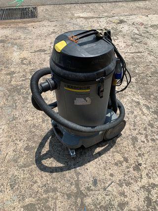 Karcher commercial vacuum