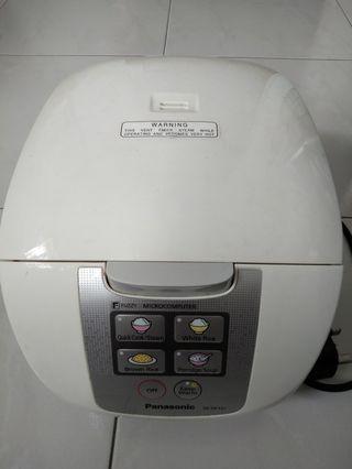 Panasonic rice cooker SR-DF 101