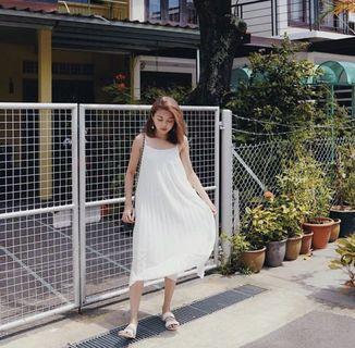 The Closet Lover Pleated Midi Dress in White - XXS