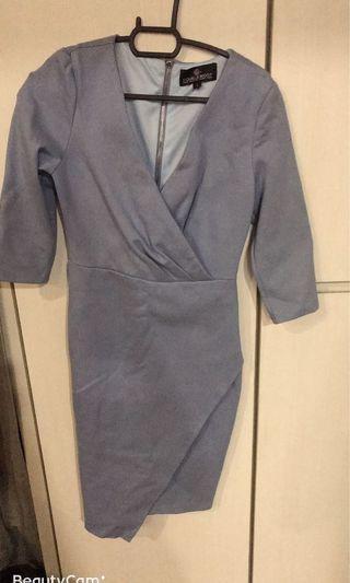 Pale blue fitting v neck dress