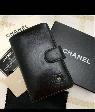 🚚 Authentic Chanel Camellia French Wallet
