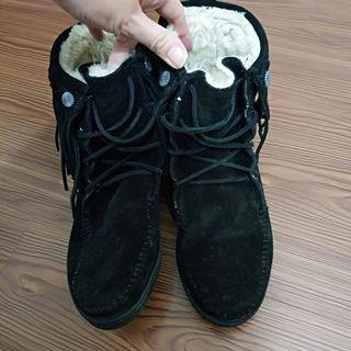 正品MINNETONKA莫卡辛流蘇民族風黑色短靴7碼