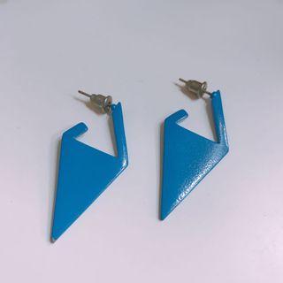 藍色個性耳環
