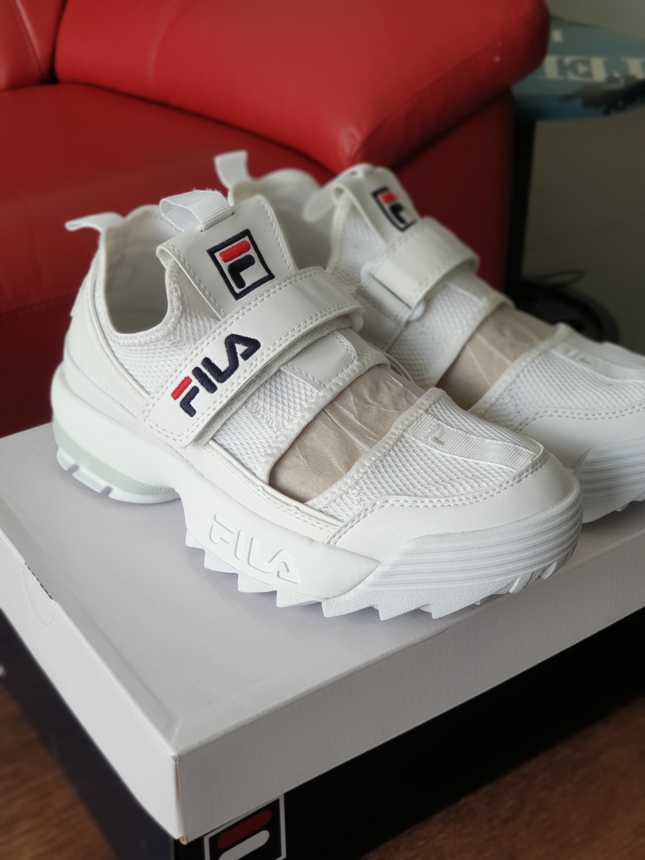 BNIB FILA Disruptor Half White Sandals