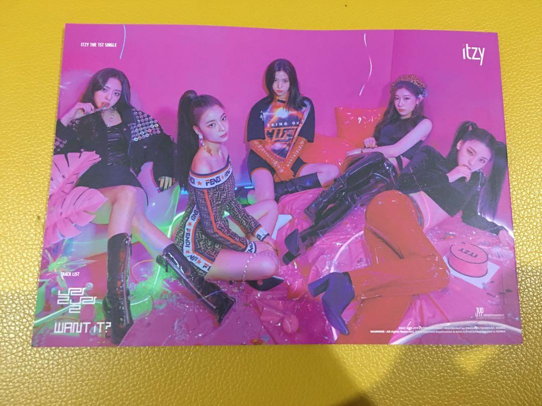 WTS ITZY It'z Different photobook