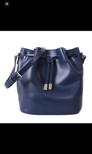 agnes 深藍色水桶包
