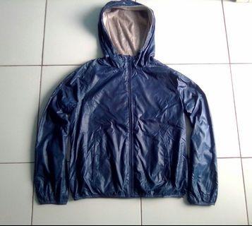 Jaket hoodie uniqlo reversible polar windbreaker original