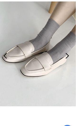 Room four修飾楦頭軟皮革樂福鞋