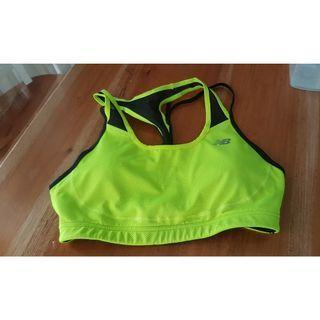 ORI Sport Bra NEW BALANCE warna hijau neon hitam black green kondisi 99.99% baru 1x pakai dijamin mulussss