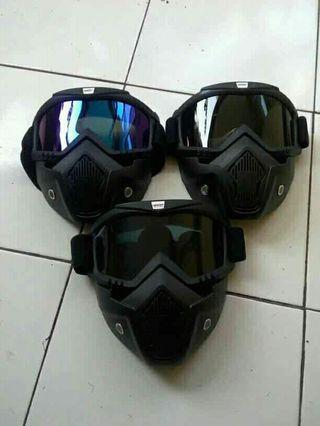 masker motor goggles