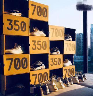 yeezy 350 v2