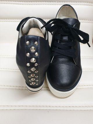 TAS真皮鉚釘增高休閒鞋