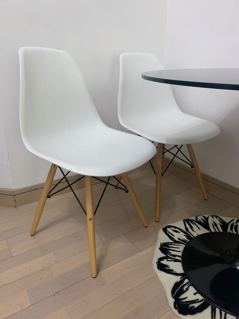 G.O.D Table with 4 Chairs