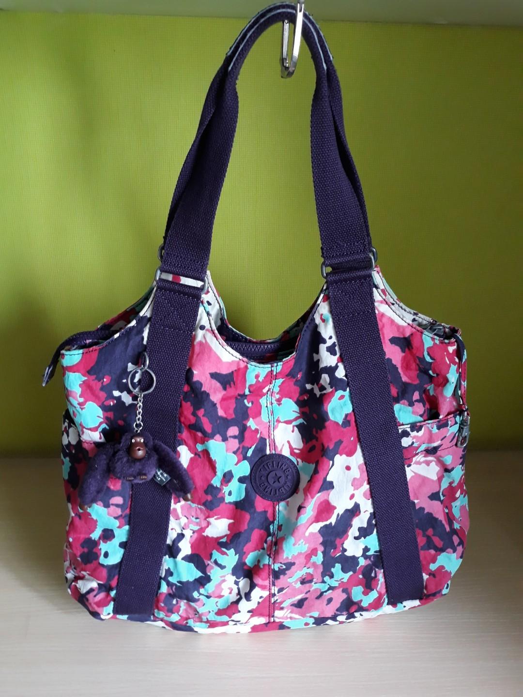 éxtasis Persona arrendamiento  Kipling CICELY Flower Print Shoulder bag, Women's Fashion, Bags & Wallets,  Handbags on Carousell