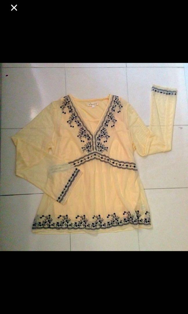 New Linea blouse with embroidery *059