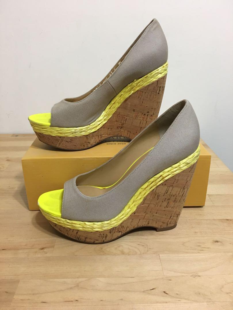 Nine West 械型木頭底高跟鞋露趾涼鞋