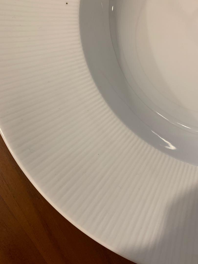 White Porcelain Round Plate