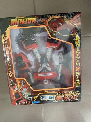 變型玩具車