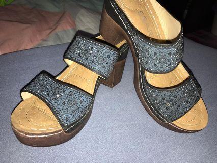 Esarli Blocked Heels