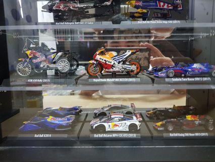 7-11  紅牛模型車含展示架