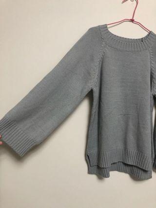 灰色寬袖毛衣