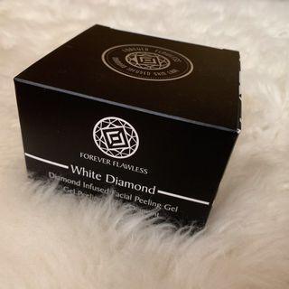 Diamond Infused Facial Peeling Gel