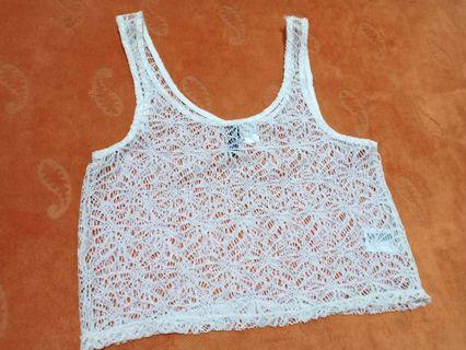 H&M lace cropped top