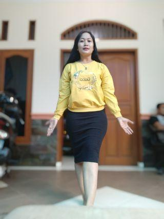 Sweater import yellow