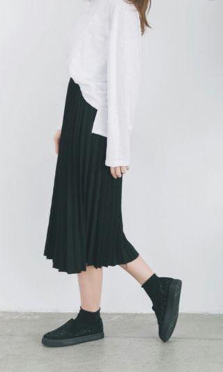 黑百摺長裙