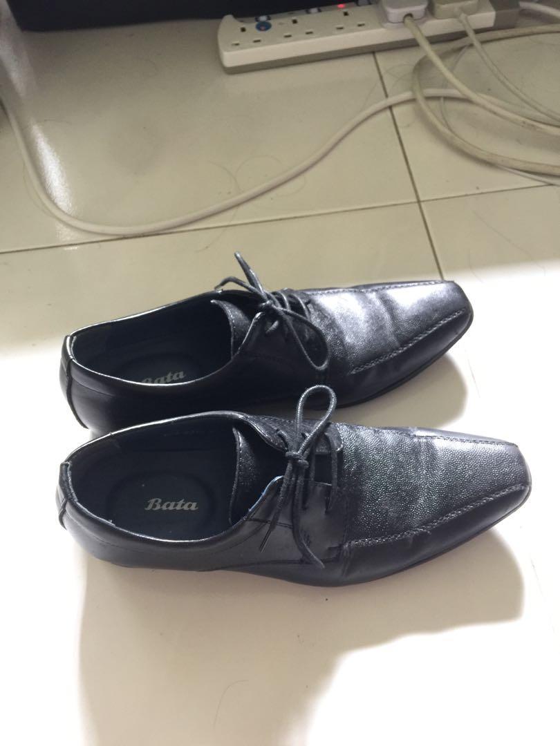 Bata black leather shoes