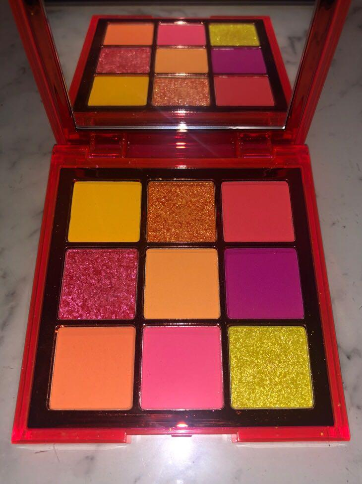 HUDA BEAUTY Neon Orange Obsessions Pressed Pigment Palette
