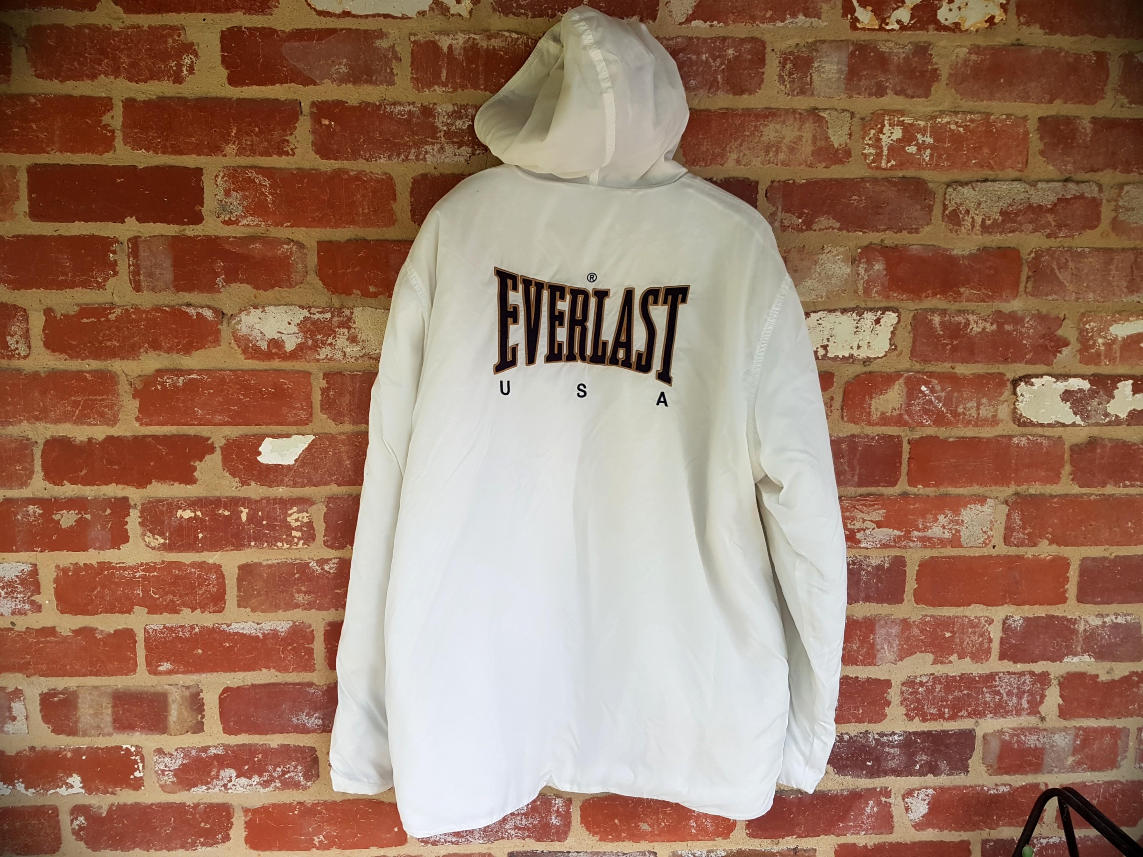 Vintage Everlast White Puffer Jacket/Windbreaker Hooded XL