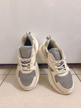 Reebok 老爹鞋 24.5