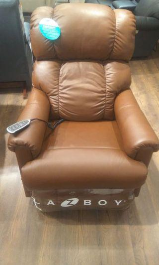 ✨NEW✨ LaZBoy Pinnacle Electric Recliner Sofa