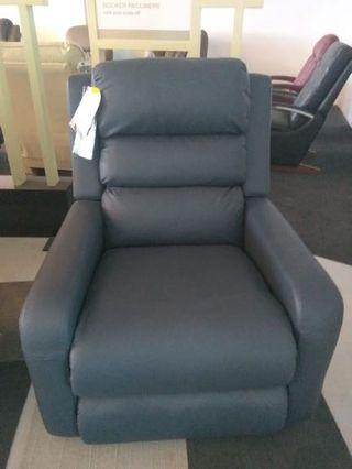 ✨NEW✨LaZBoy Adam Recliner Sofa