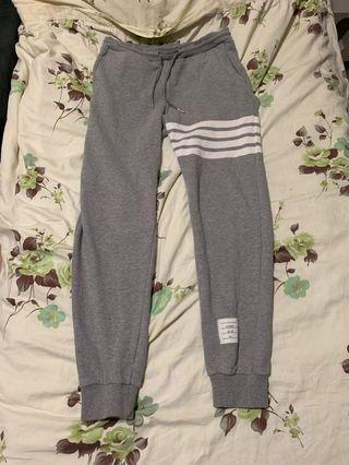 Thom Browne灰色棉圈長褲