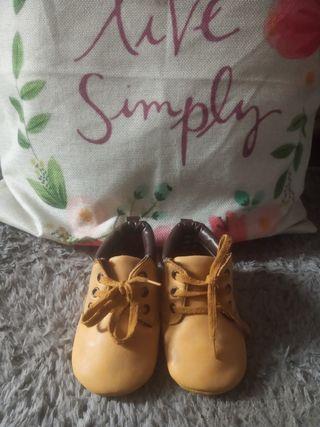 Sepatu anak prewalker boots kuning