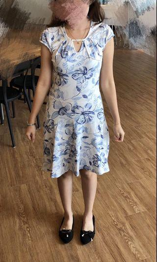 Dorothy Perkins White Blue floral dress #style