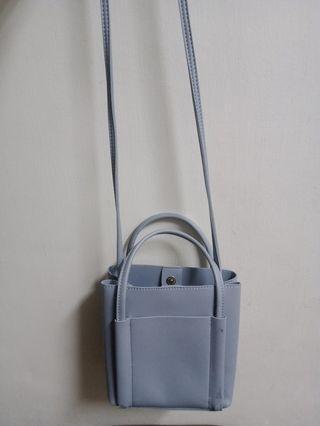 霧藍色包包