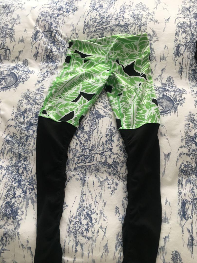 Alo leggings size small, goddess legging with ribbed detail