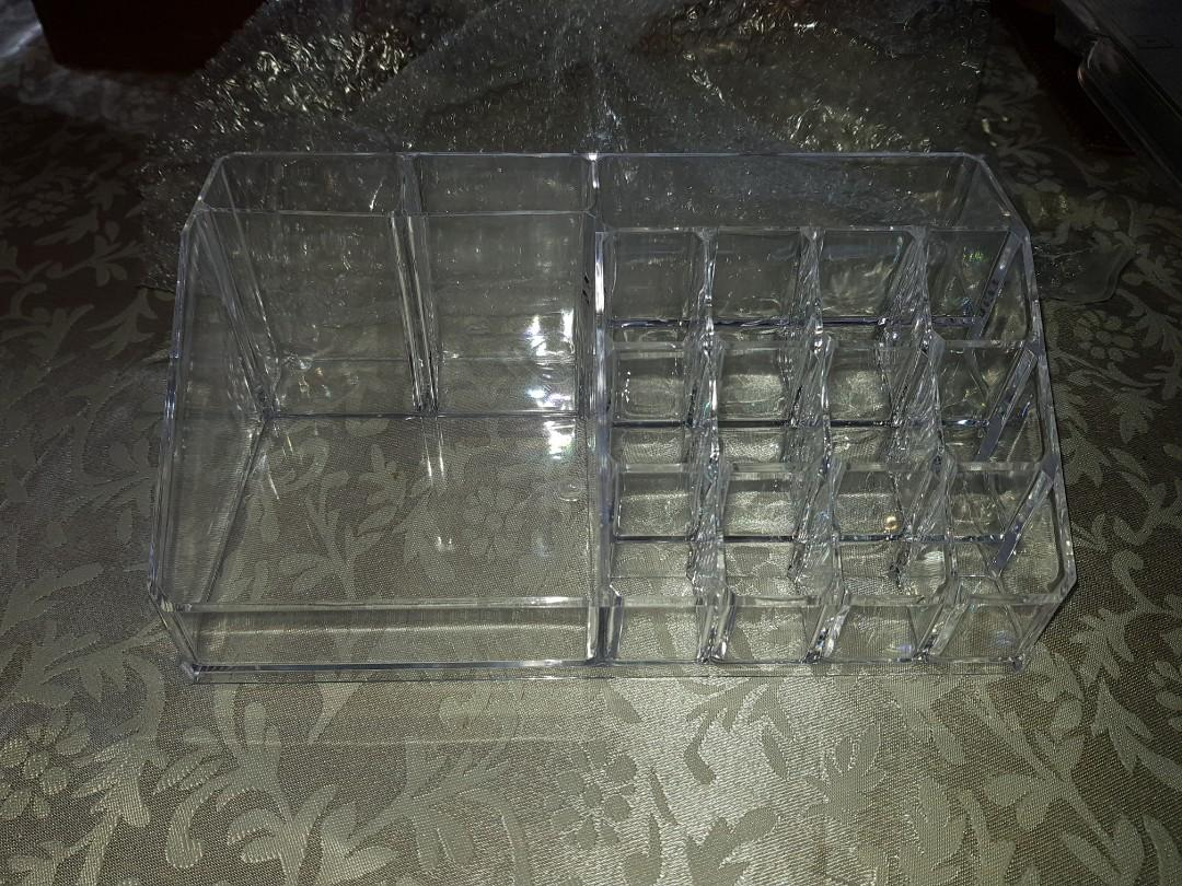 BRAND NEW NEVER USED Acrylic Makeup Organiser Cosmetic Storage Holder