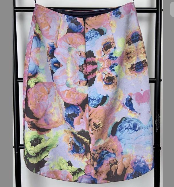 Finders Keepers S pink multicolour floral scuba skirt hi lo casual party